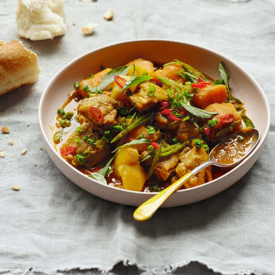 Ca ri ga bi – chicken curry with squash.