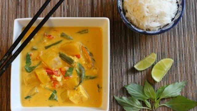 thai tofu pumpkin curry