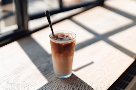 how to make an iced coffee at hone - iced coffee