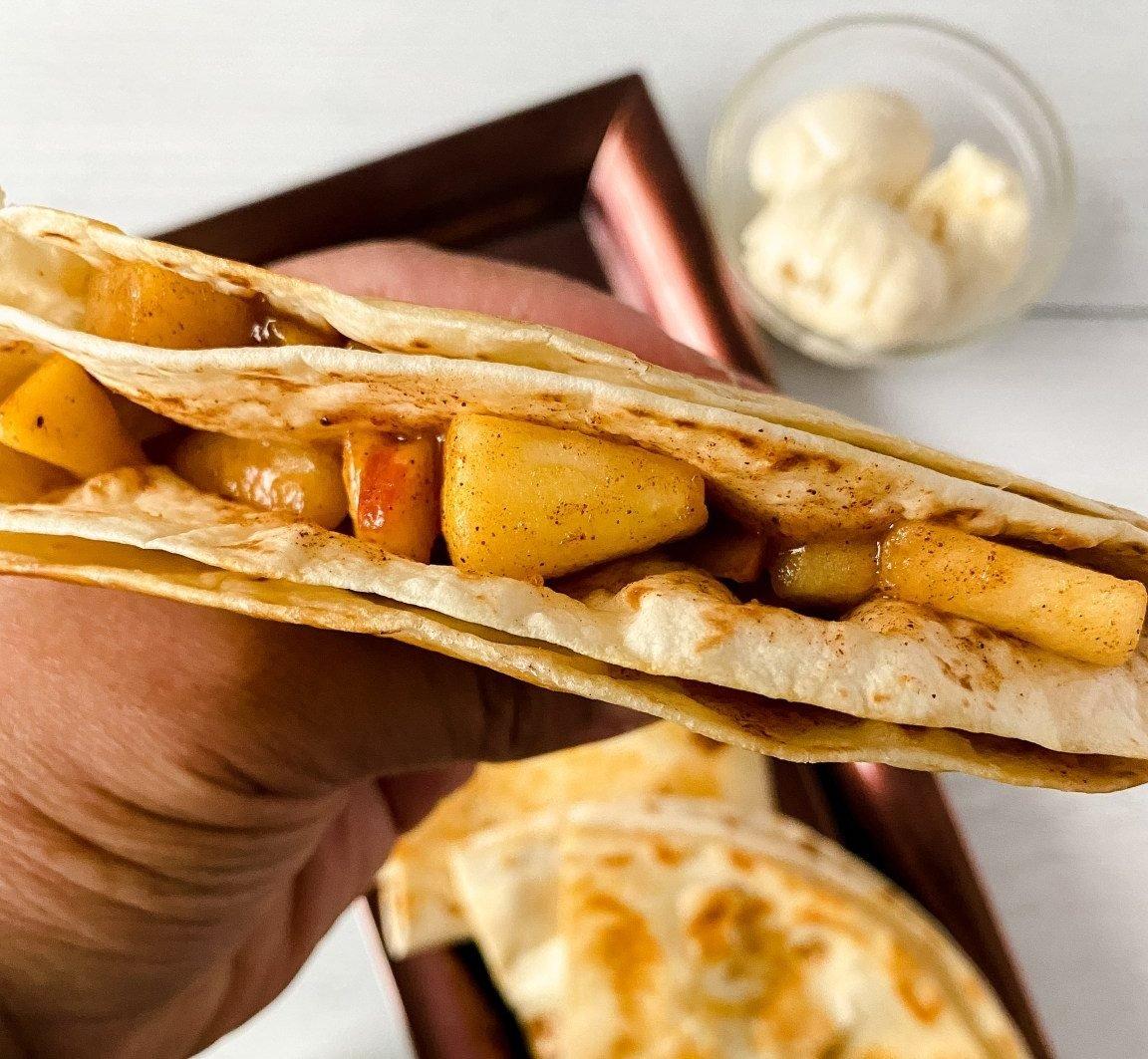 apple-tortilla-fold
